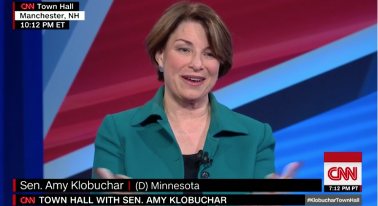 NEW: Would enacting the 2013 'gang of eight' immigration bill have saved $158 billion, as Amy Klobuchar said?  https://t.co/zzmzFR7Zun