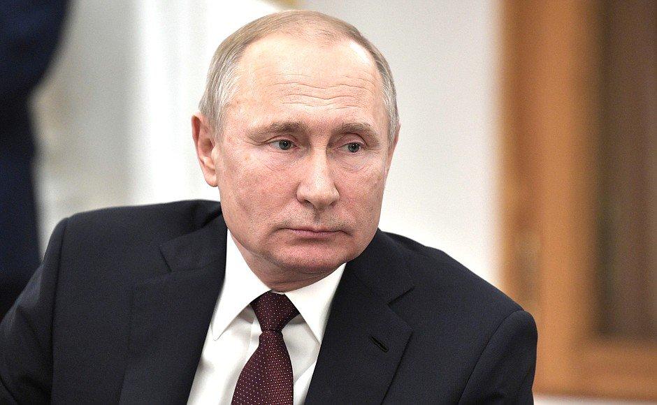 #Кремль : Владимир Путин встретился с представителями российских информационных агентств и печатных СМИhttps://t.co/dL70Legs08