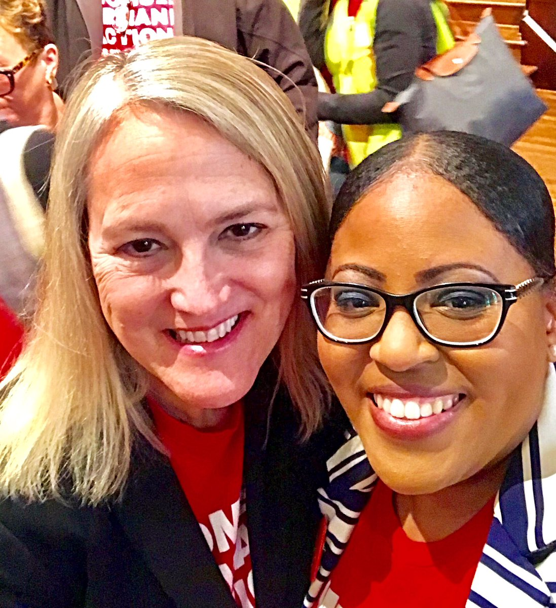Gun violence survivor, Moms Demand Action GA Volunteer @ForeverJaJuan_J  fuels her pain into action to prevent gun violence. Her voice makes a difference and inspires others @MomsDemand @Everytown. With gratitude Julvonnia.
