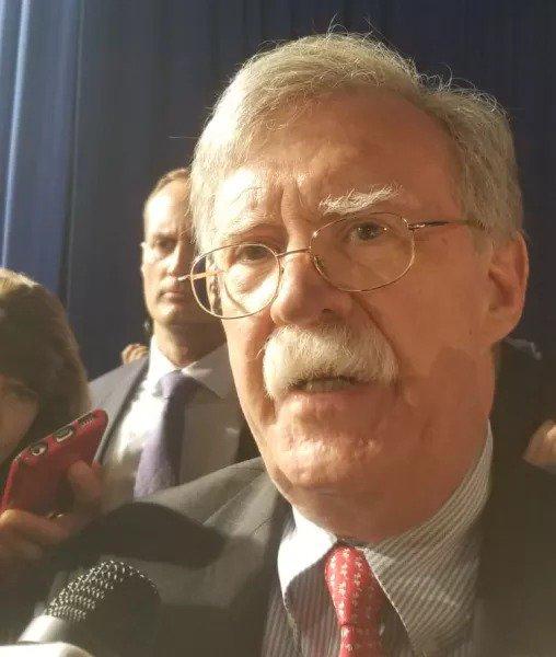 """#LoDice John Bolton: """"No habrá uso de fuerzas militares en la entrega de la ayuda humanitaria. La gente de Venezuela se la entregará a la gente de Venezuela"""" http://goo.gl/tLG61z"""