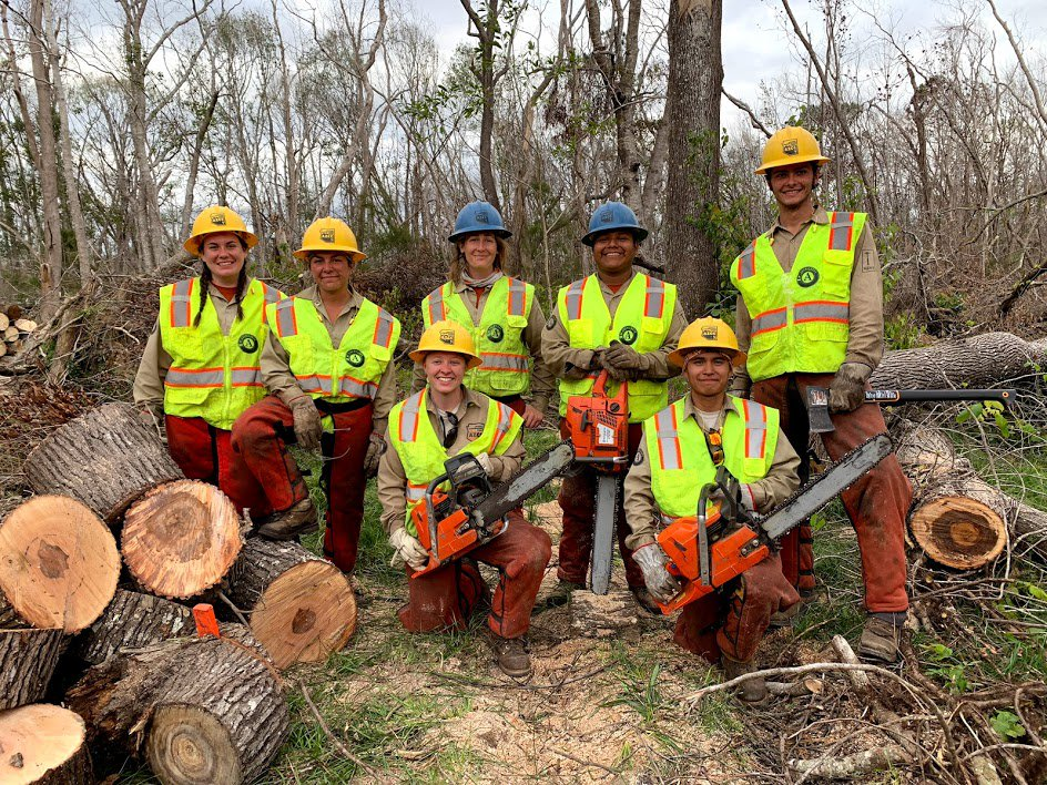AmeriCorps members continue to #GetThingsDone for people impacted by #HurricaneMichael! Here they are mucking and gutting, removing hazardous trees and debris, and tackling mold across the Florida Panhandle. 📸#AmeriCorpsWorks #CountOnUs