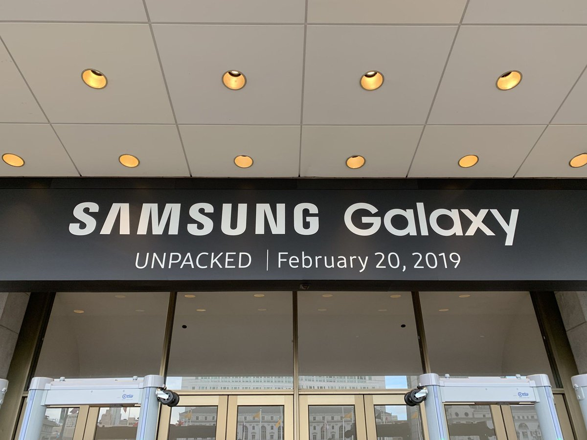 Live blog: Samsung's Galaxy S10 Unpacked event with @backlon and @nickstatt https://t.co/spMuleLi3u