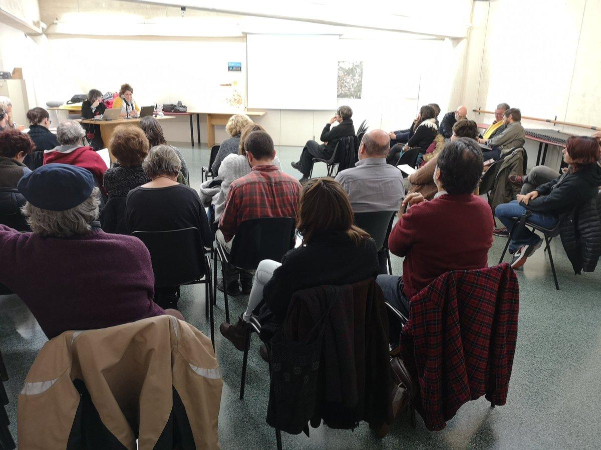 En marxa el Consell de Barri de #lafloresta. Entre els temes a tractar hi ha la remodelada pl. Miquel Olivella, el centenari del barri i la votació dels projectes per fer amb diners de lliure disposició, de l'11 al 17 de març #CBLaFloresta #SantCugat #barris #vivimelsbarris