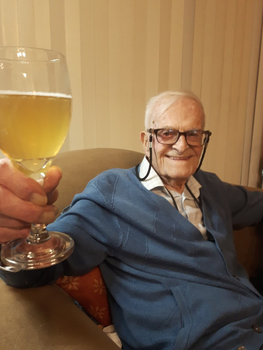 It would have been my dad&#39;s 96th birthday on Monday and I will be returning to London from Madrid on Monday and hopefully will eat a good meal and raise a glass to him. <br>http://pic.twitter.com/RdljaNvAYx