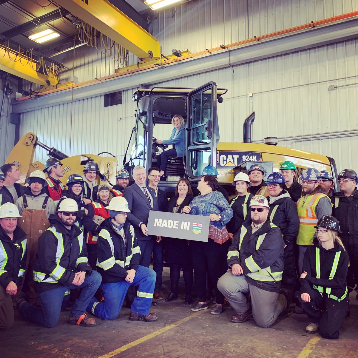 Today, Premier @RachelNotley and I announced that our #MadeInAlberta plan has unlocked a $2,000,000,000 private investment by Nauticol Energy in a methanol plant south of Grande Prairie that will add value to Alberta's energy resources & create good jobs. #ableg #abpoli #abenergy