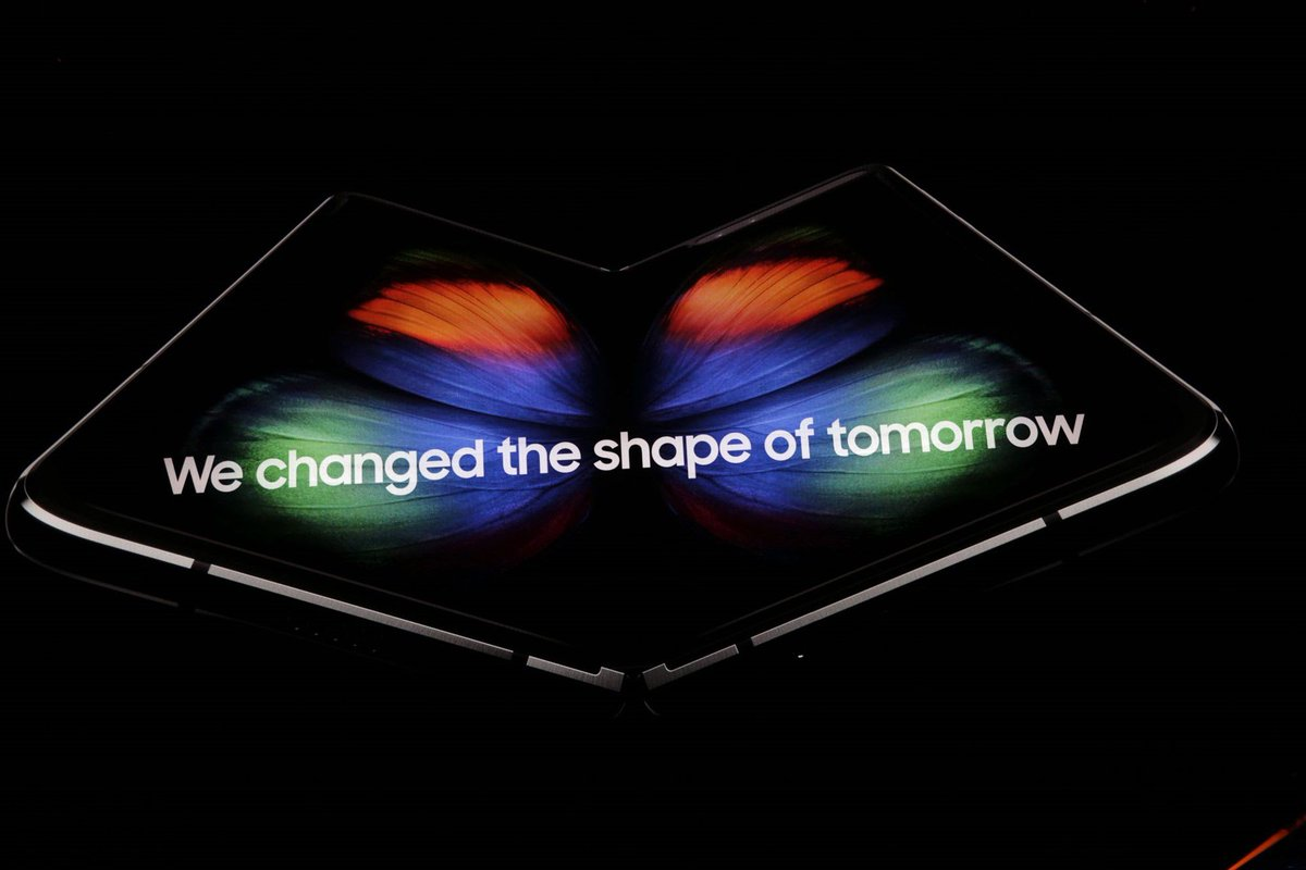 Samsung's foldable phone is the Galaxy Fold https://t.co/Ph2bc8dRCu