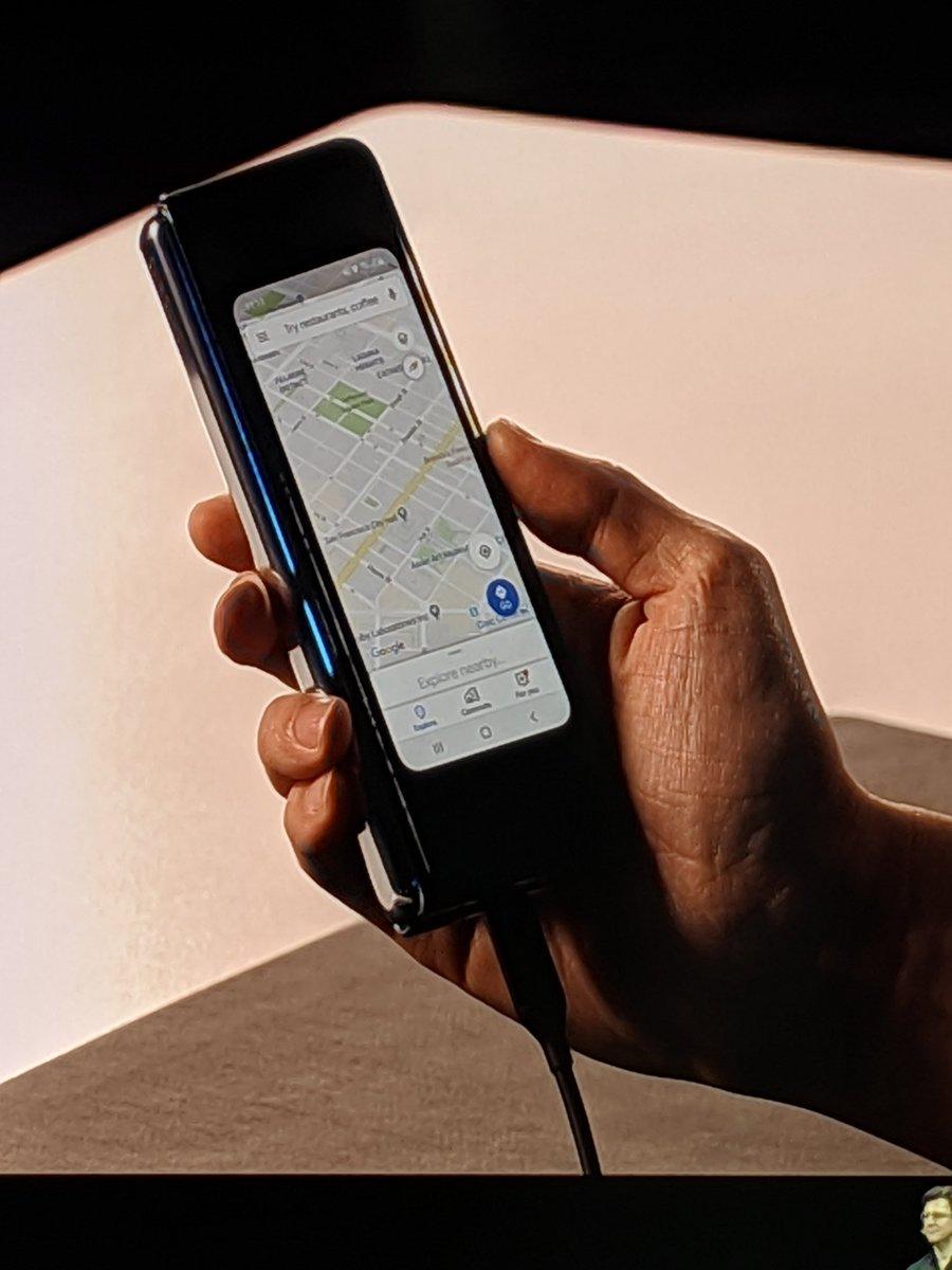 Samsung Galaxy Fold يغير مستقبل الهواتف الذكية