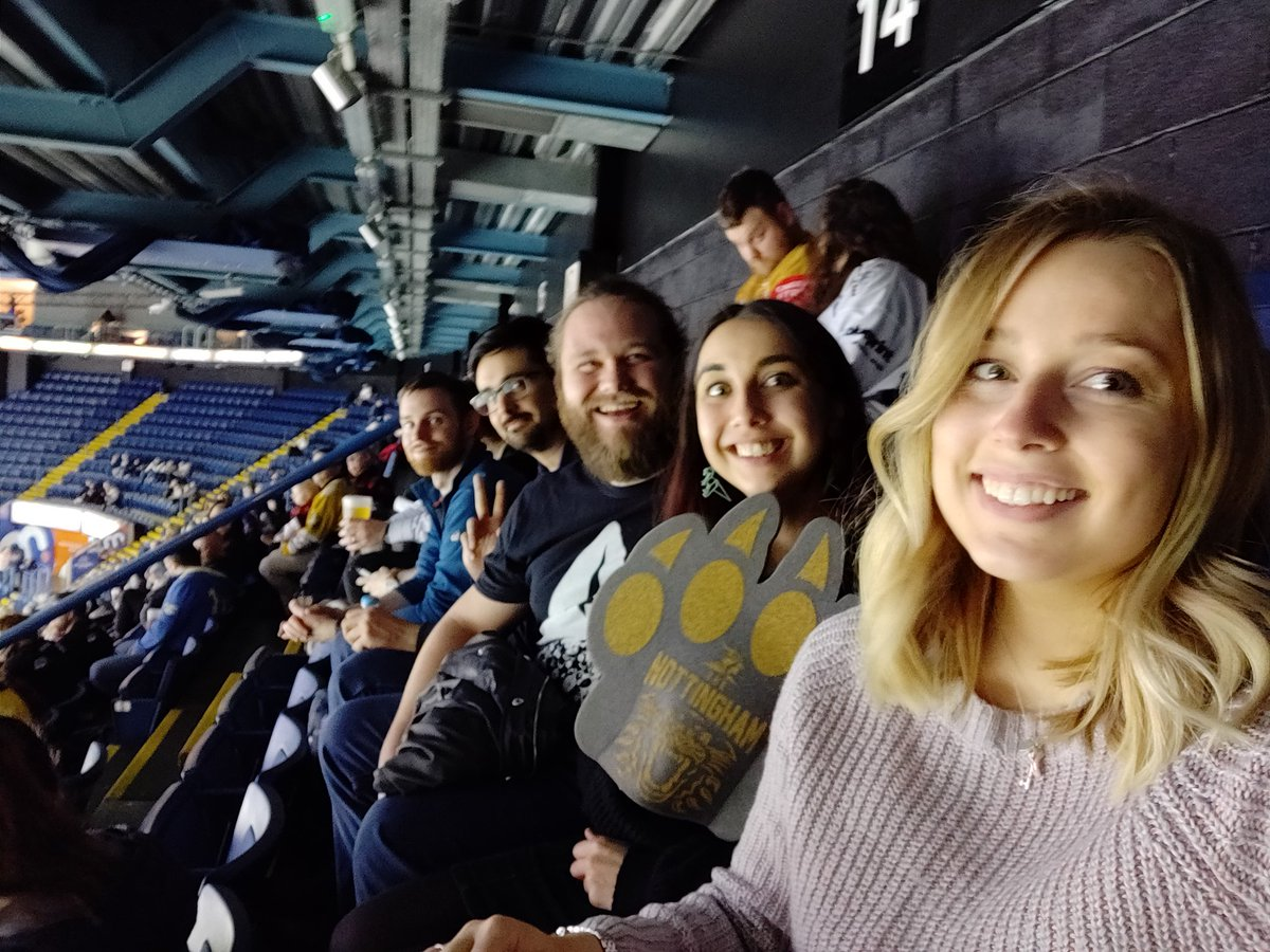 Well over a year since I left @OakbrookFinance but I still love hanging with the crew 💙   They kindly extended an invite to see the @PanthersIHC play at @nottinghamarena. My first time watching ice hockey! Yay! Go Sports! 🐾🏒