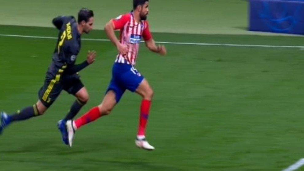 Benedetto il #Var in @ChampionsLeague che ci ha evitato uno scempio così...  #AtleticoJuve https://t.co/3scUCKSqdG