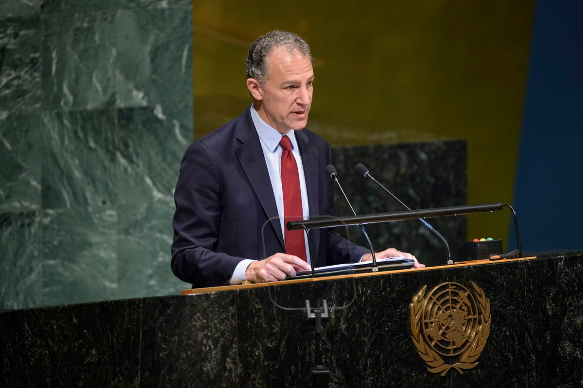 """At #UNGA meeting on #Ukraine, Amb. Cohen made clear the U.S. will never accept less than the full restoration of Ukraine's territorial integrity: """"The int&#39;l community should remain united in support of Ukraine and impose costs on Russia for these attempts to undermine Ukraine.""""<br>http://pic.twitter.com/xLInviehAi"""