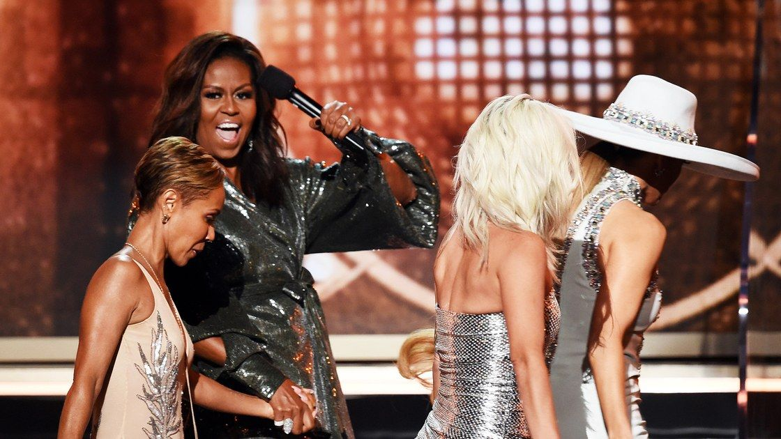 #MichelleObama made a little surprise visit at the #GrammyAwards2019  @VanityFair —  https:// buff.ly/2GvDFIa  &nbsp;  <br>http://pic.twitter.com/iUAuDvmwbe