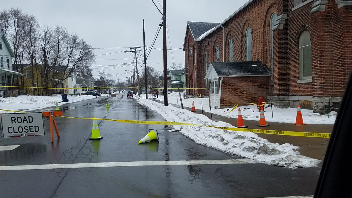 Clinton Street closed near Fall Street in Seneca Falls due to falling bricks