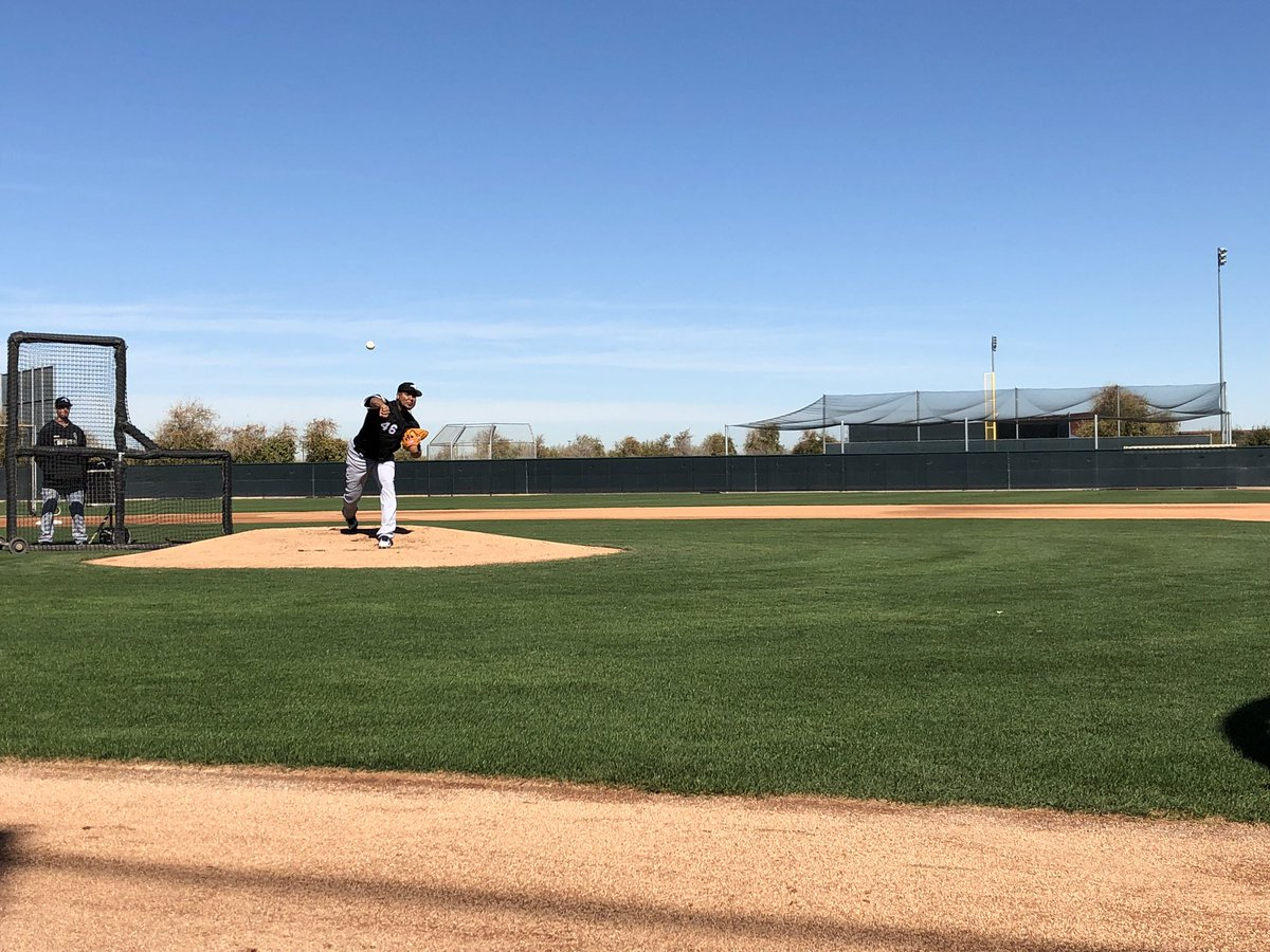 .@IvanNova47 looking  on the mound. #SoxSpringTraining <br>http://pic.twitter.com/3ZueQuD0ow