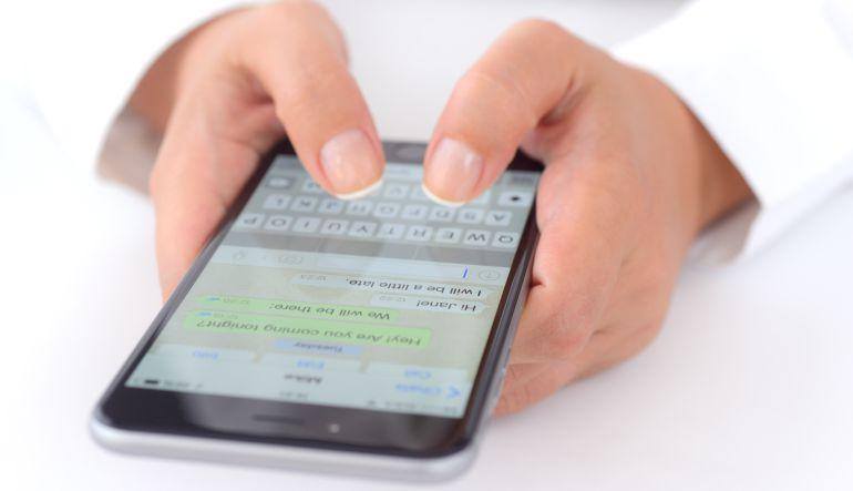 Evita que WhatsApp llene la memoria de tu teléfono celular. https://t.co/7hqs0z3iLF