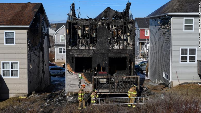 A Syrian family fled to Canada to escape the war. All 7 of the children just died in a house fire.  https://t.co/oxesZgPzPv