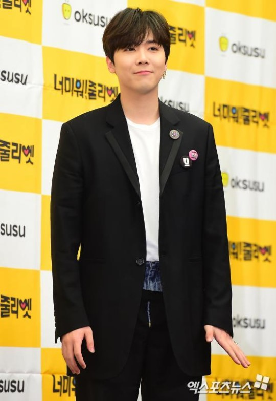 FTISLAND&#39;s Hongki fires back at haters on Instagram yesterday while promoting SF9  Someone commented SF9 members had hair that was rainbow coloured and fluorescent, gay looks, acting cute  Hongki&#39;s reply - private account, alt account, lack of confidence, dissatisfied = troll <br>http://pic.twitter.com/5r4zIECSBK