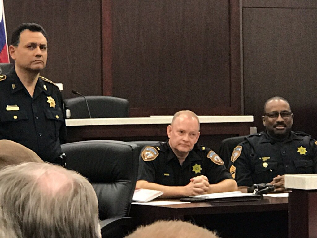 CIRT at a District 3 Security Coordinators meeting. Guest speaker is Lieutenant D. Wine, the Commander of the CIRT / HOT / Graffiti Abatement Units, giving a presentation on the services provided by those units. @SheriffEd_HCSO  @houstonpolice  KH