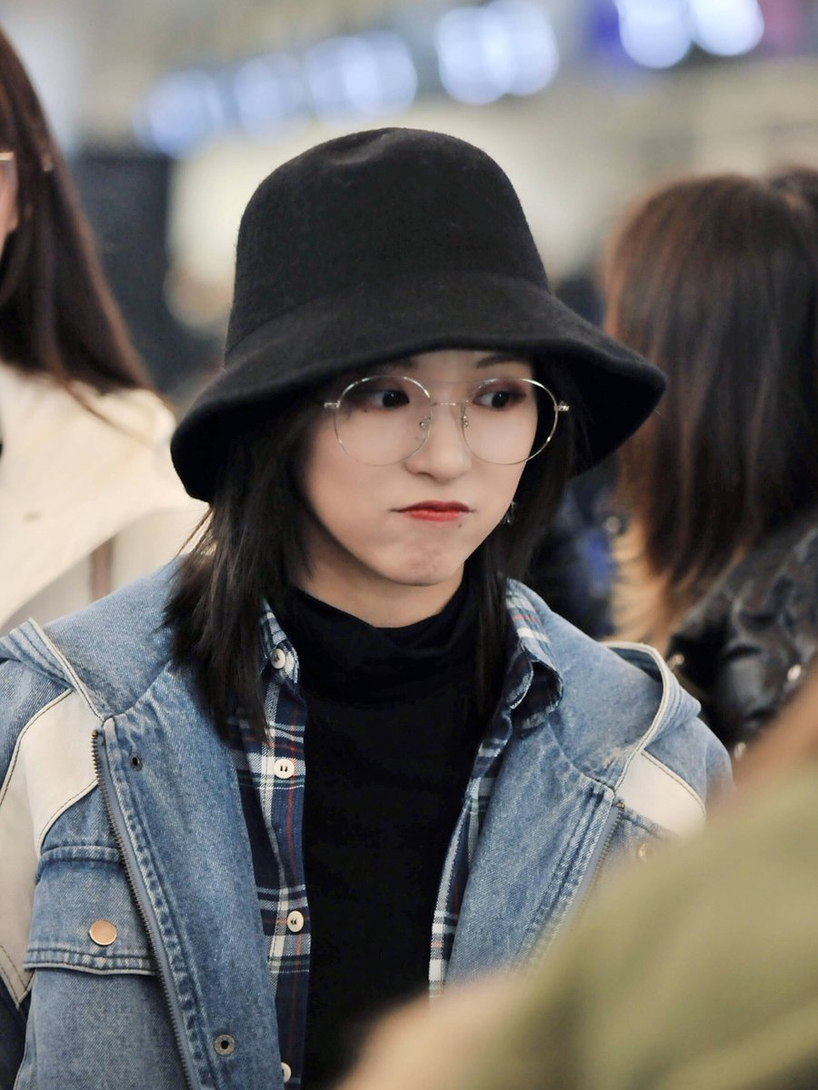 Lween On Twitter I Only Saw The Bucket Hat The Short Ish Hair Glasses And Coat And I Was Just Where Is Fxd Going