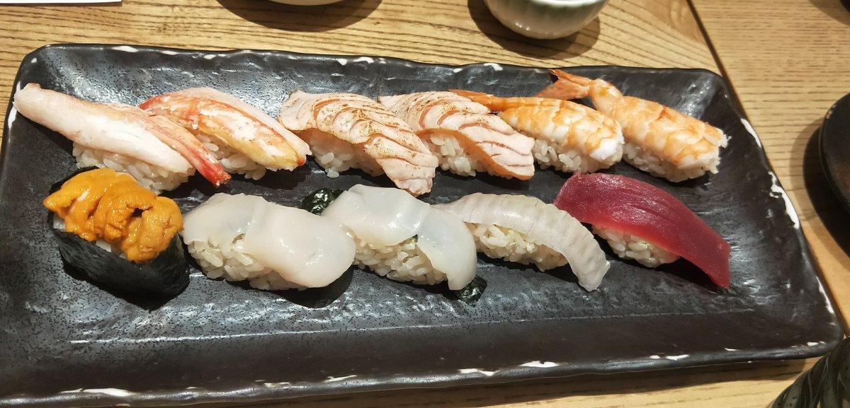 test ツイッターメディア - I love 🍣  そろそろ稽古に向かうすし子🎶  今日は配信キャスにてレアメンバーであの曲を歌いますし👏😆🎶 リクエスト待ってまうす🐭🎶 https://t.co/jHlDjnNslq  #sushi https://t.co/SGJhSfK50z