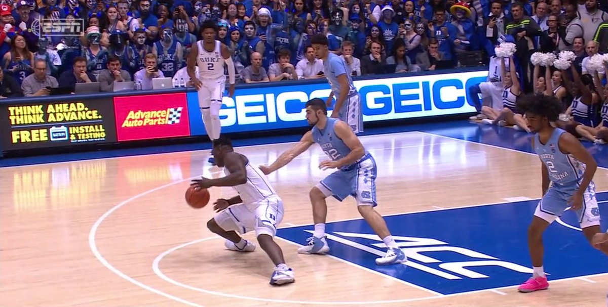Zion planted and his foot blew through his sneaker 😳