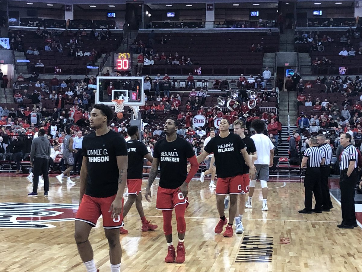 Here's a look at Ohio State warmups for Black History Month.   Front: Black inventor Back: The invention