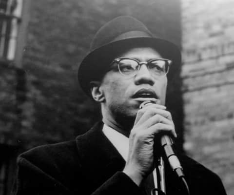 On this day (21 February, 1965), American Muslim civil rights leader Malcolm X (also known as el-Hajj Malik el-Shabazz) was assassinated in New York City.  #MuhammadAli #MalcolmX #MartinLutherKingJr #FidelCastro<br>http://pic.twitter.com/uT9l3IhMkH