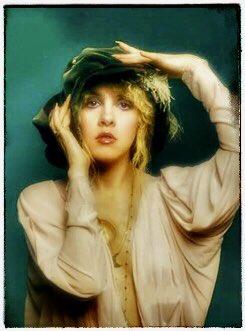 Another classic beauty! #StevieNicks #FleetwoodMac #beautiful #vintage #70s #80s #follow #ChristineMcVie #Rumours #Tusk #Mirage #WildHeart #BellaDonna