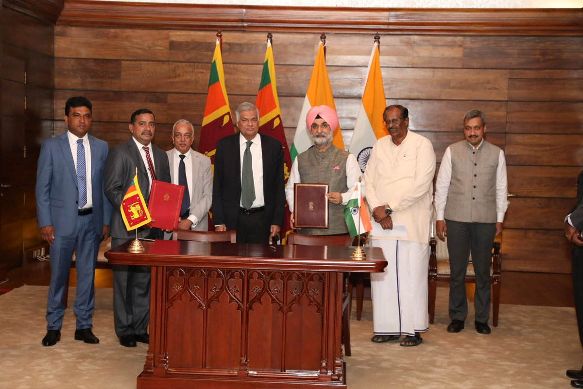 #India assists #SriLanka in IT park establishment in Jaffna- an attempt to accelerate white-collar employment and economic growth in the North.