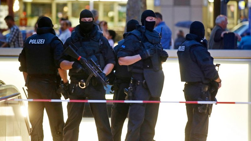 Two dead after shooting in #German city of #Munich  http://bit.ly/2GCYHVn