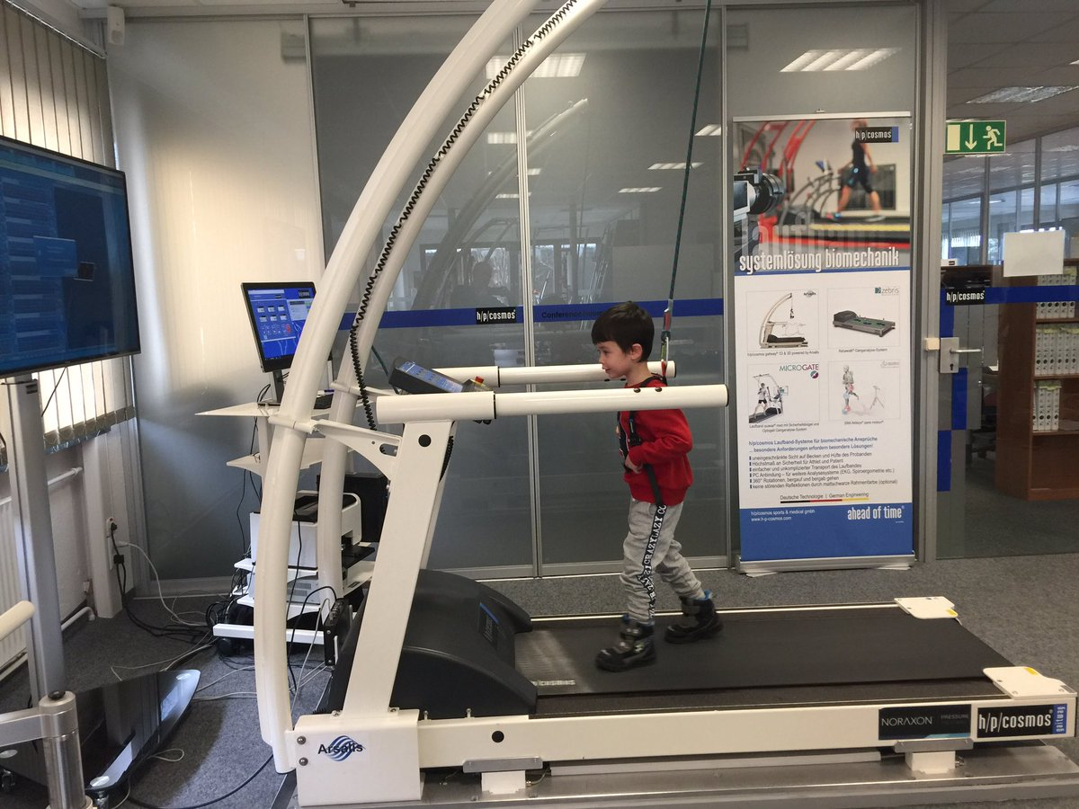 gaitway 3d biomechanics treadmill tests with children. 3-component force measurement Fz, Fy, and Fx in combination with pressure distribution on a single belt treadmill allow subjects to walk and run freely on the running deck. #GaitSymmetry #biofeedback #GaitCorrection #Forcepic.twitter.com/CEZRj0B2R7