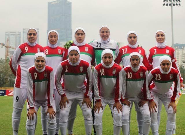 حال و روزم مثل رییس فدراسیون فوتباله؛  وقتی تیم ملی فوتبال بانوان ایران از گروهش صعود کرده و با فلسطین همگروه شده، فلسطین هم یه ورزشگاه تو اسرائیل رو واسه میزبانی معرفی کرده  خلاصه اصلا حال خوبی ندارم 😂😂