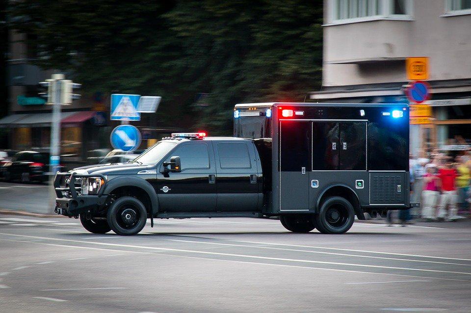 #ÉtatsUnis : un homme noir criblé de balles par la #police alors qu'il dormait dans sa voiture  https://t.co/oay2M9Dj0g