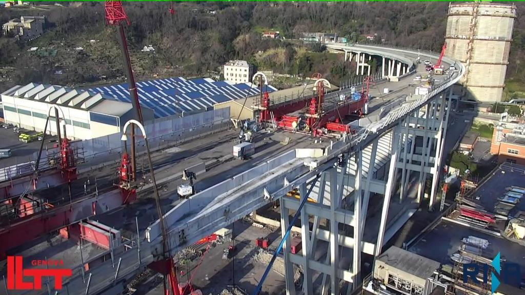 La demolizione del Morandi vista dal drone https:/...