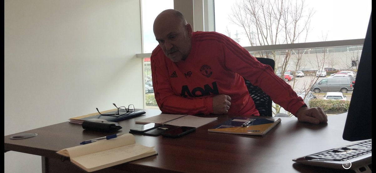 Morning all, Think tank in full flow as we prep for the weekend #ManUnited ⚽️👍🏻🎓