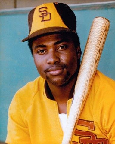 If Tony Gwynn (RIP), were resurrected & returned to baseball, he'd have to go hitless for 2-1/2 seasons (1183 AB) before his career batting average dropped below .300 (.29997) #HitsMatter