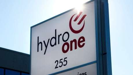 RT @CBCToronto: Ford government orders Hydro One to cap CEO pay at $1.5M https://t.co/9HXCKBrL83 https://t.co/m8gUbP0ngq