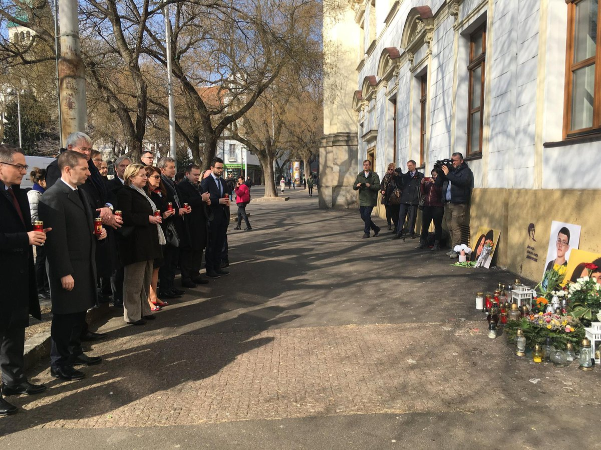 Diplomats commemorated tday tragic events of last Feb when journalist #JanKuciak and his fiancée were murdered. Canada defends #mediafreedom and stands against any intimidation to silence journalists. Free media=stronger and healthier societies. #justice4jan @Johnvonkaufmann<br>http://pic.twitter.com/kL3DwkIirV