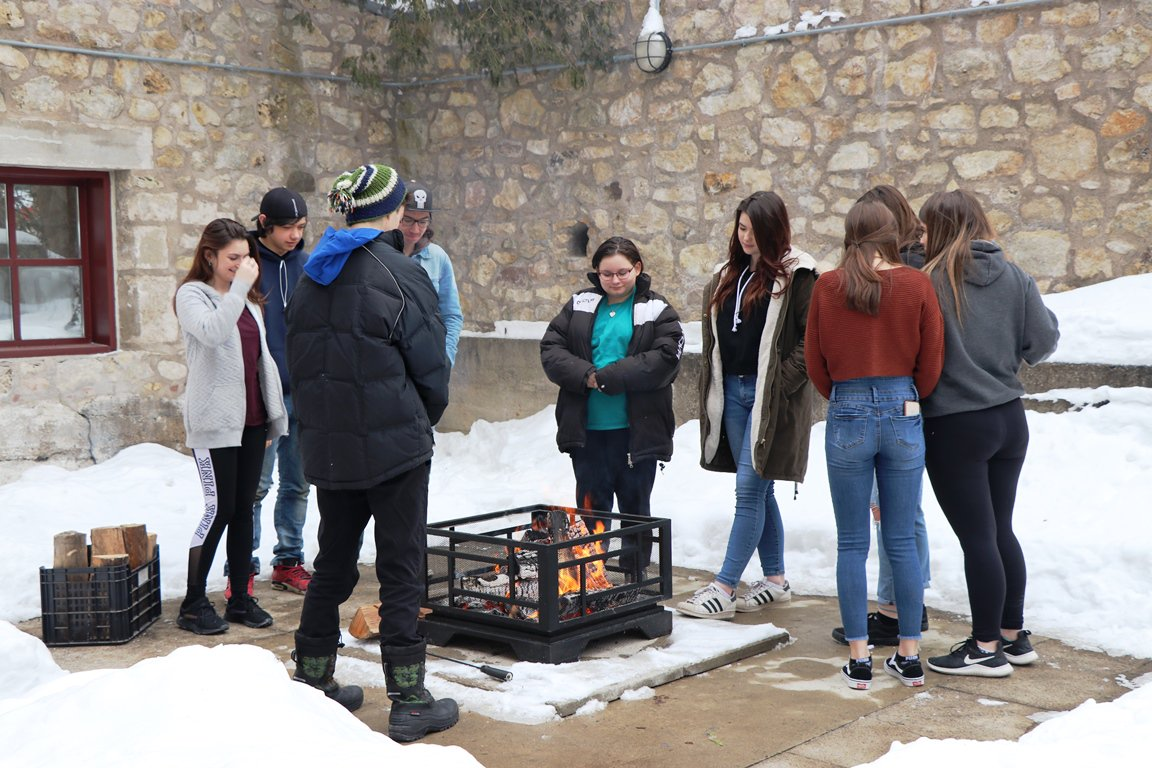 UGDSB Indigenous students came together for discussion and workshop this week in Fergus and Alton http://ow.ly/my7w30nMEIz #FNMIEd @clclyne