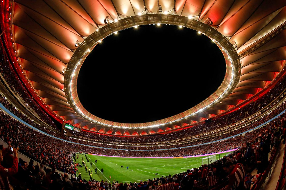 📍 Wanda Metropolitano, Madrid   Under the lights 😍