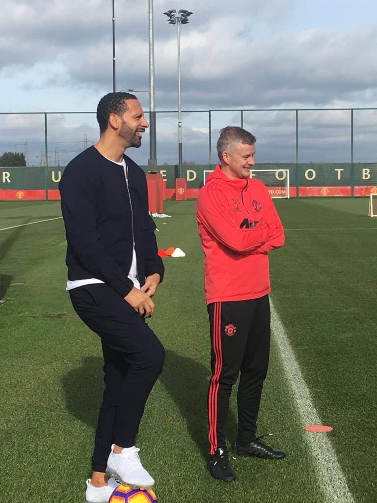 Nothing to see here: just two #MUFC legends who both scored famous winners against Liverpool. 👀