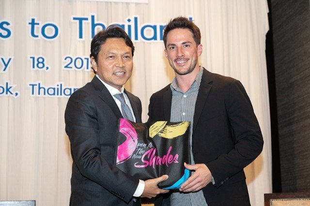 """""""Land of Smiles"""" TAT marketing campaigns assume new role with support for medical charity """"Operation Smile""""  https://www. tatnews.org/2019/02/land-o f-smiles-tat-marketing-campaigns-assume-new-role-with-support-for-medical-charity-operation-smile/ &nbsp; …  #Thailand #Travel #ThailandTravel #ReviewThailand #ThailandReview #泰國 #태국 #タイ #Таиланд #Tailândia #Tailandia<br>http://pic.twitter.com/YJsoCk05Cm"""