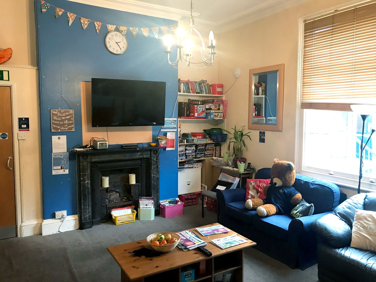 Behold! Our Boarding House Common Room, looking uncommonly tidy! Usually this room is a hive of activity - where our boarders can relax and unwind after a day in School. #iloveboarding @BSAboarding https://t.co/DuXttNiWVj