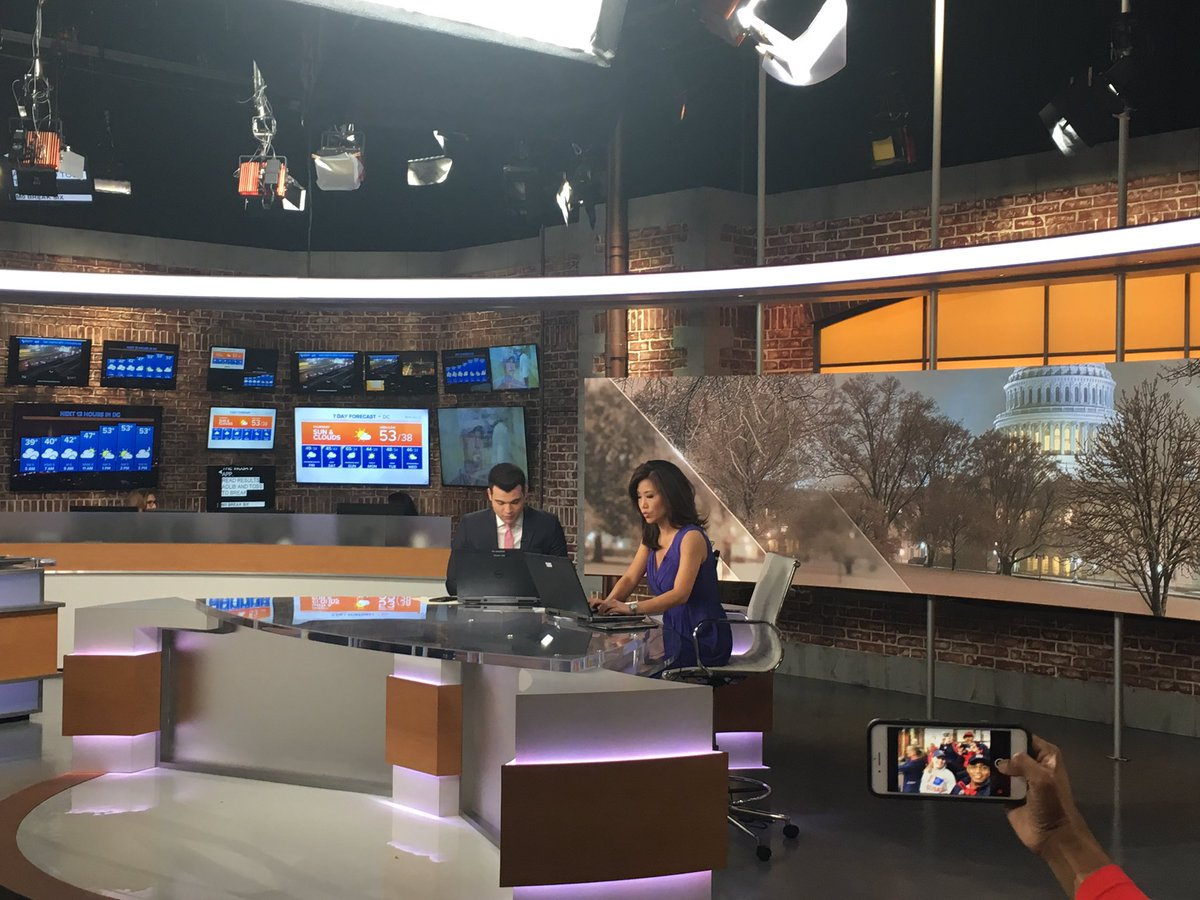@WUSA9 in the studio for the morning news show that will mention benefits of rowing.  #getupdc <br>http://pic.twitter.com/yXr5So0rLE