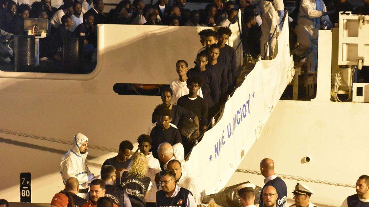 Caso Diciotti,alcuni migranti chiedono risarcimento danni all'Italia #diciotti https://t.co/Bg9SCTIvcu