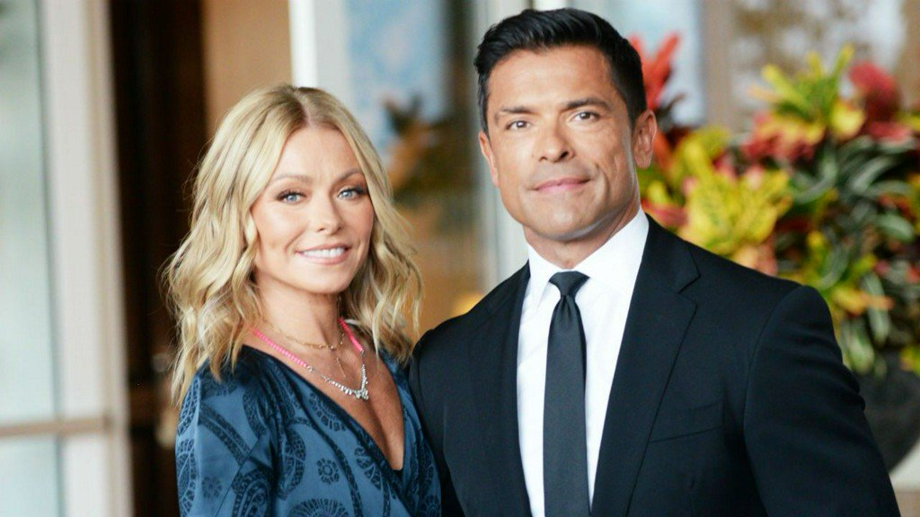 Mark Consuelos Reveals How He Ended His Breakup With Kelly Ripa the Day Before Their Wedding http://bit.ly/2SWd91C
