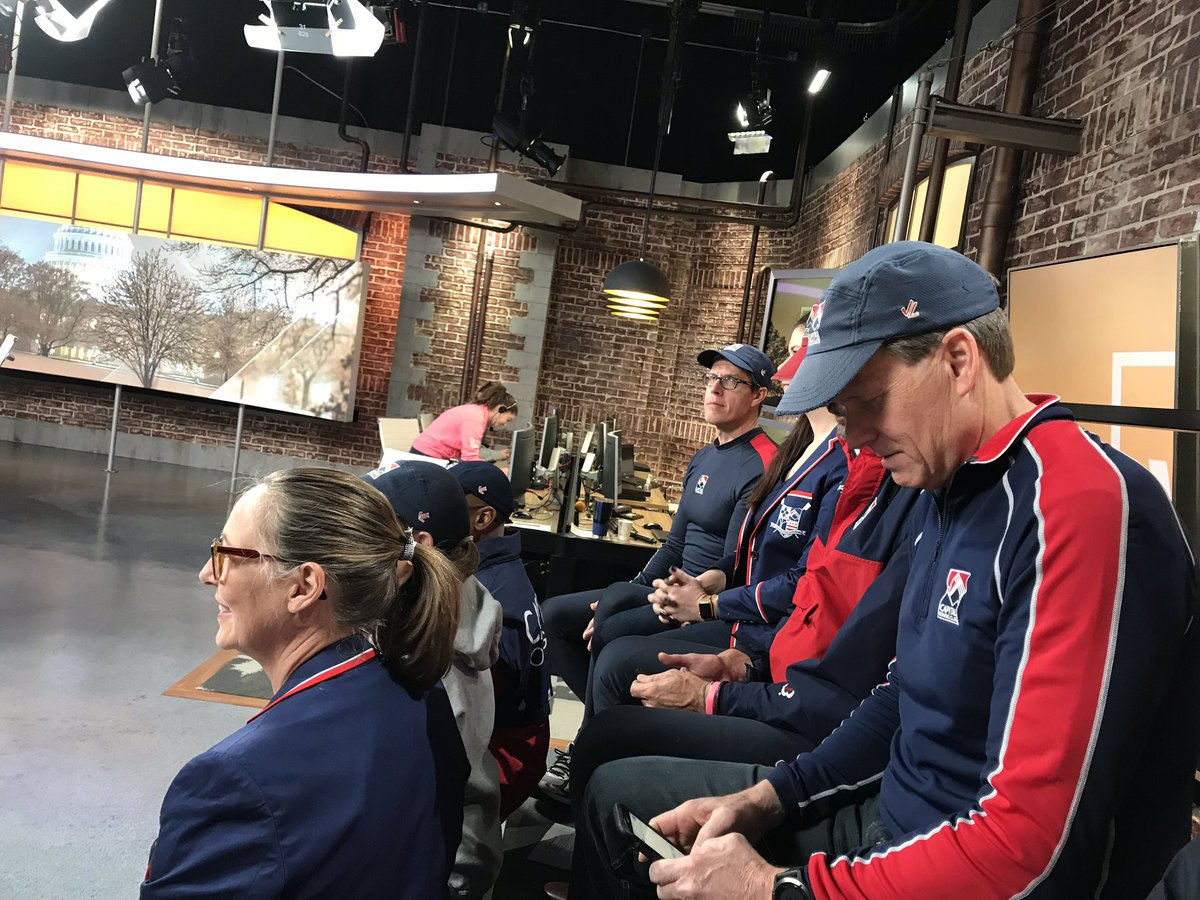 @CRCRowDC at #getupdc for a segment on the benefits of rowing, including getting up early! <br>http://pic.twitter.com/sH5PhZnRkc