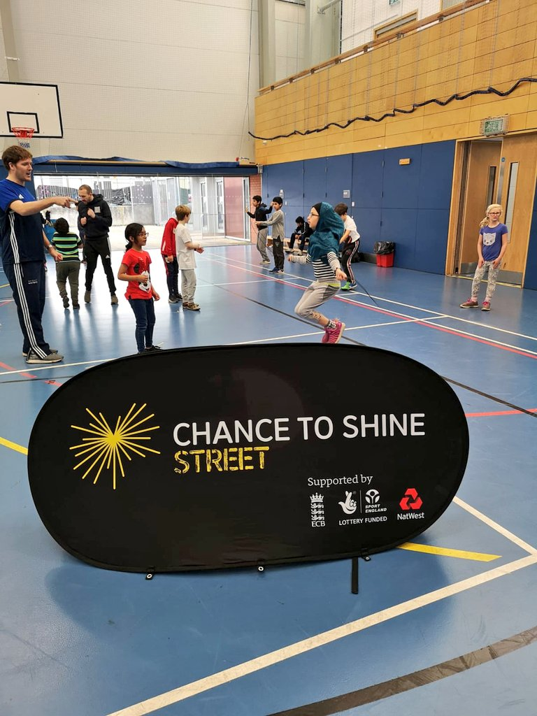 test Twitter Media - 🏏🥊🍉👮🏽‍♂️| THE FUN NEVER STOPS. Great work from @CTS_Bristol and @GCB_Wicketz_LT. Inviting @JumpStartCIC, @EmpireFightingC and @ASPolice has been a real success. @MKP_23 at it again #Powerplay6s #LocalPartnerships #BreakingBarriers #SportForAll https://t.co/Ed2FRg6Oxh