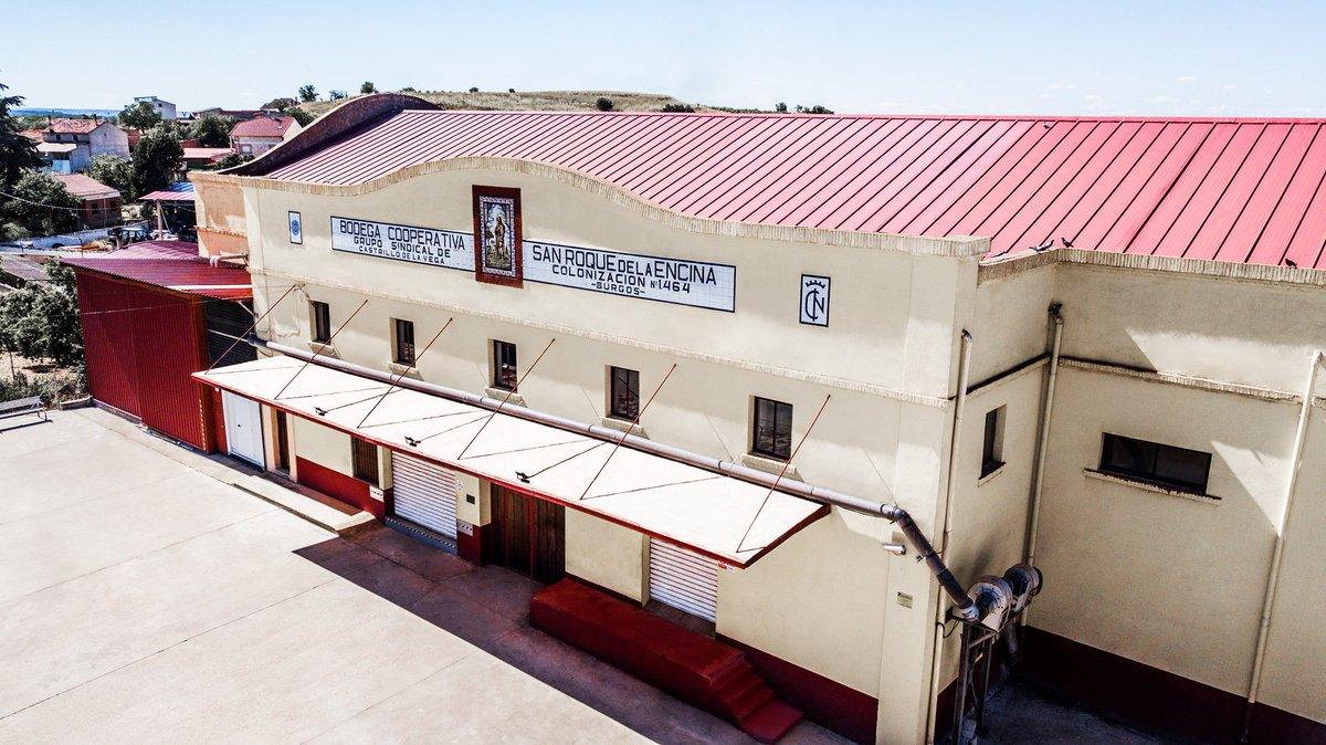 Bodega San Roque de la Encina representa la unión de un pueblo, Castrillo de la Vega y la fuerza de sus viticultores por trasladar el mimo con el que cuidan las uvas al vino  #BodegaSanRoquedelaEncina #CastrillodelaVega #viticultores #bodegas #vino #buenvino #riberadelduero #wine