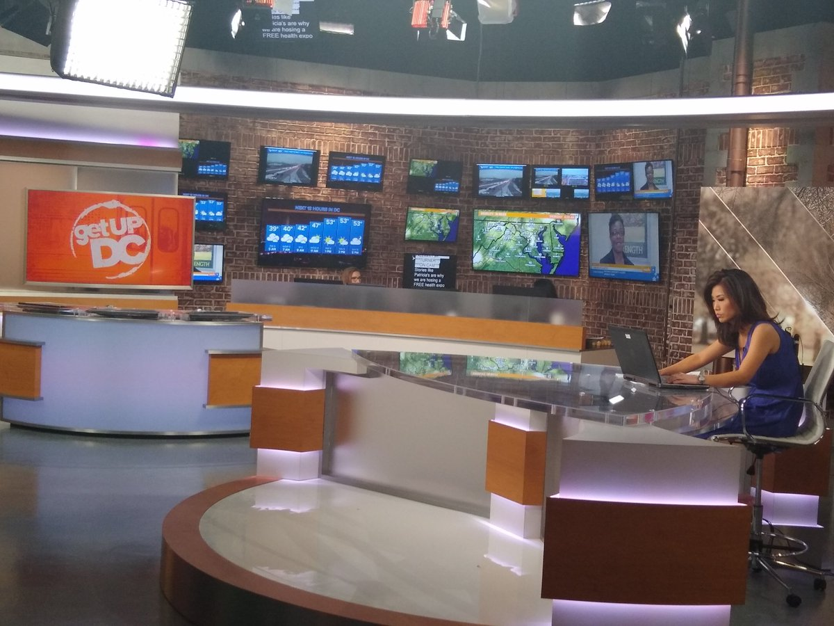 On set talent and behind-the-scenes crew working together as seeml seamlessly as a championship 8. #getupdc <br>http://pic.twitter.com/JZrIviZMjn