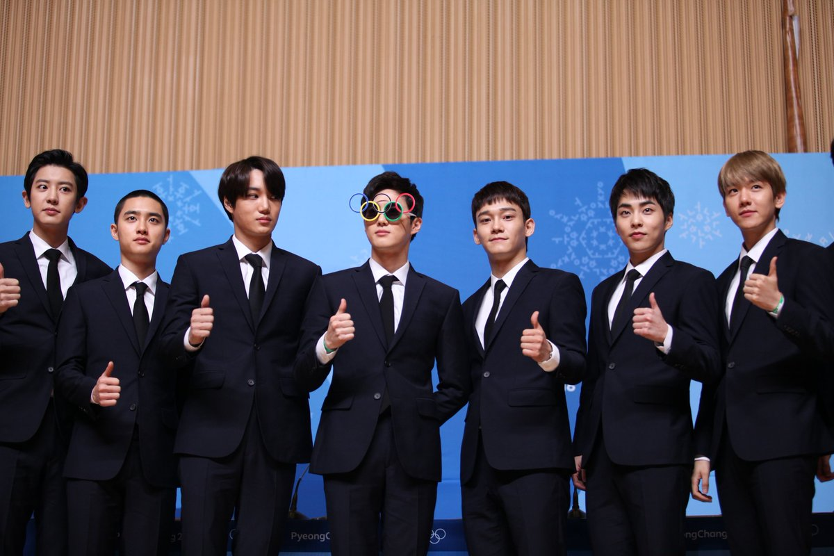 #TBT #1YearAgotoday  @weareoneEXOwas revealed as one of the Closing Ceremony performers of the  #PyeongChang2018 #Olympics  #엑소 #EXO